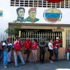 现金短缺形势严峻 委内瑞拉启用手机支付